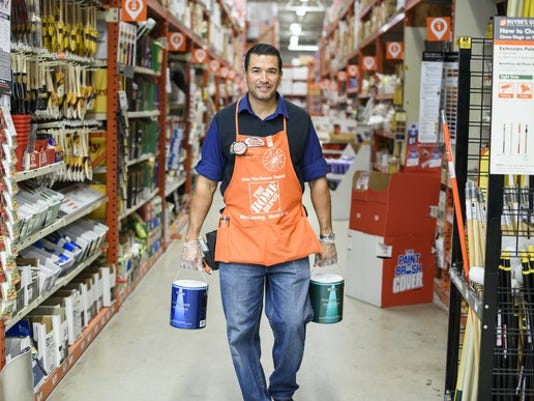home-depot-associate-image-source-home-depot_large.jpg