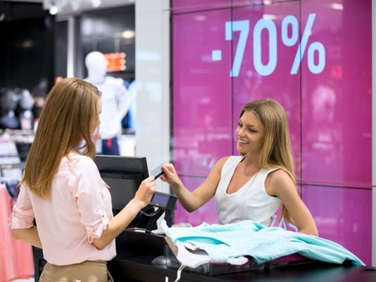 cashier_gettyimages-492581020_large.jpg