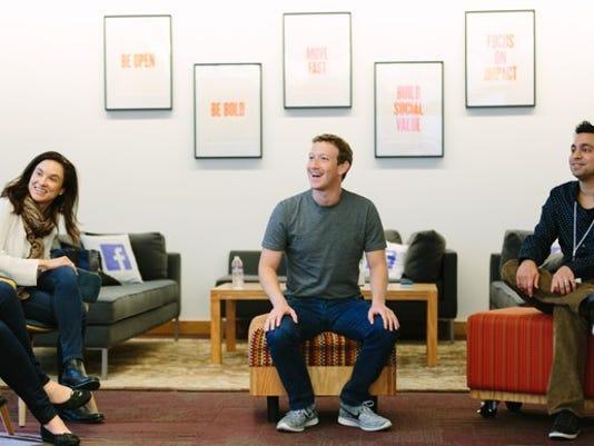 mark-zuckerberg-smiling_large.jpg