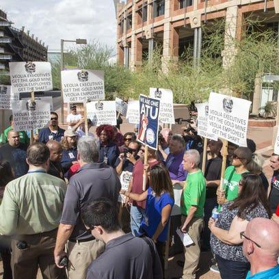 Phoenix city bus drivers protest outside Phoenix City