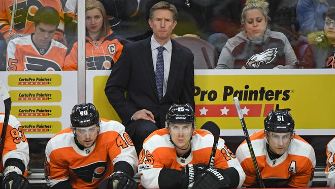 Just because Flyers coach Dave Hakstol is taking heat on social media doesn't mean he'll be the one to pay for the lengthy losing streak.