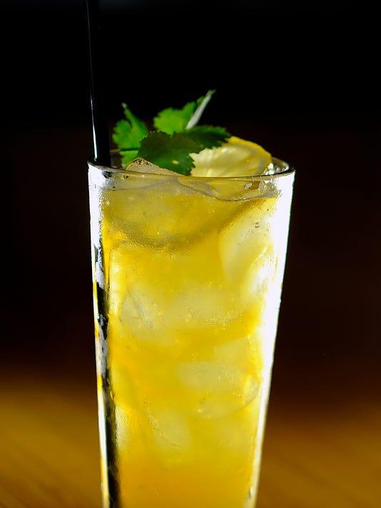 NAS-STEEPLECHASE-DRINK-0506-01 (2).jpg