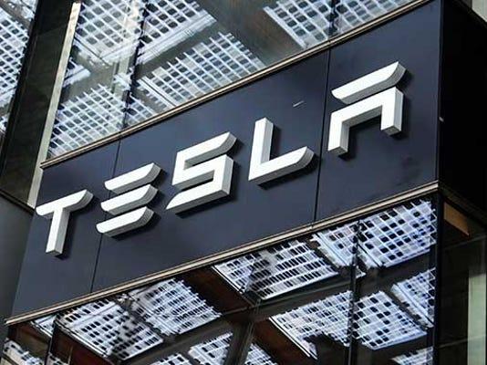 Tesla-lists-electric-truck-for-150k-.jpg