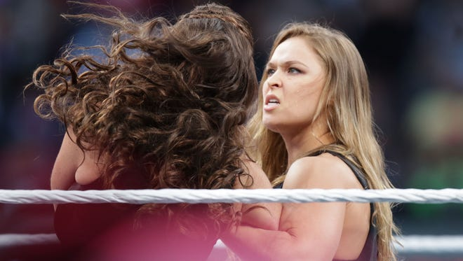 Ronda Rousey's arm bar on Stephanie McMahon at WrestleMania 31 got the imaginations of WWE and UFC fans all in knots.