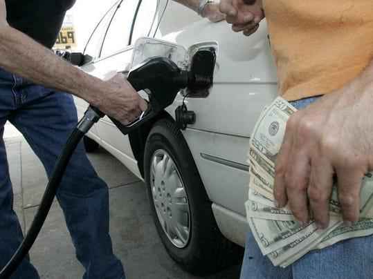 -MUR-gas prices-04.jpg_20120329.jpg