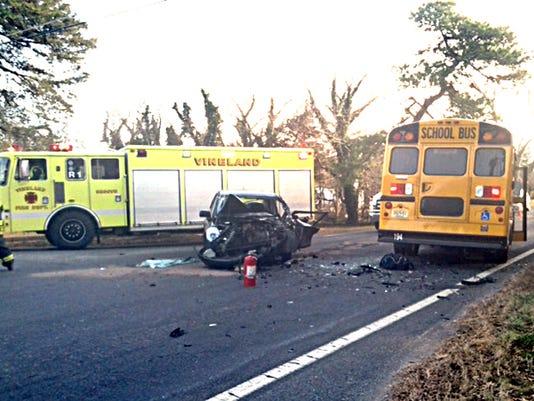 636177452433500156-newbus-crash1.jpeg