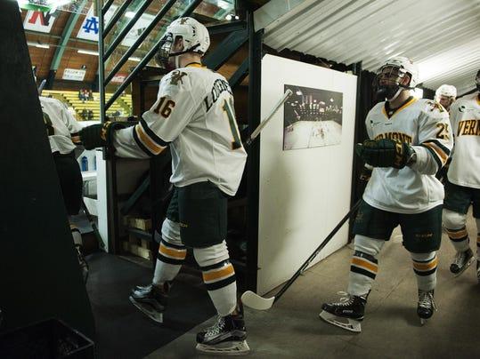 New Hampshire vs. Vermont Men's Hockey 02/10/17