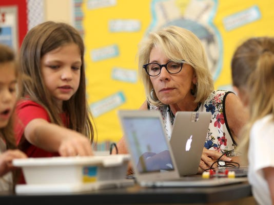U.S. Education Secretary Betsy DeVos visits a third grade STEM class at Holy Comforter Episcopal School on Tallahassee's east side Tuesday, Aug. 29, 2017. Credit: Joe Rondone/Rochester Democrat & Chronicle.