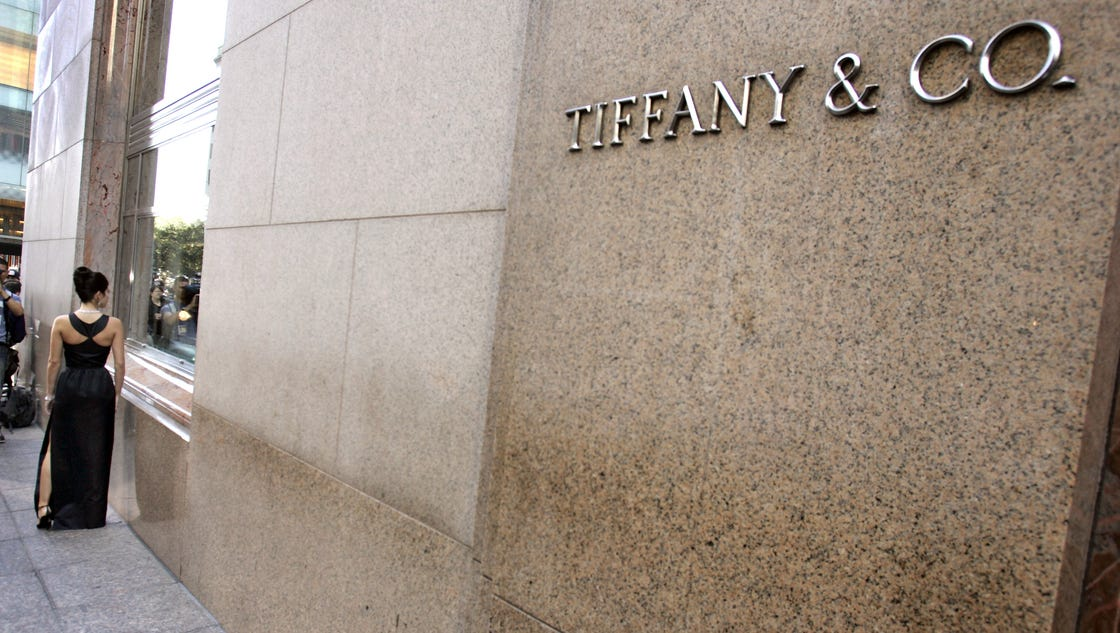 Spectacle around trump tower hurts business tiffany