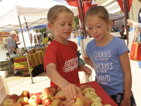 636313263881441715-REN-Farmers-Markets-2017-Two-Girls.jpg