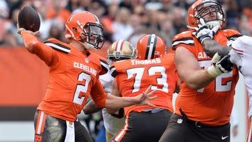 Cleveland Browns quarterback Johnny Manziel (2) throws