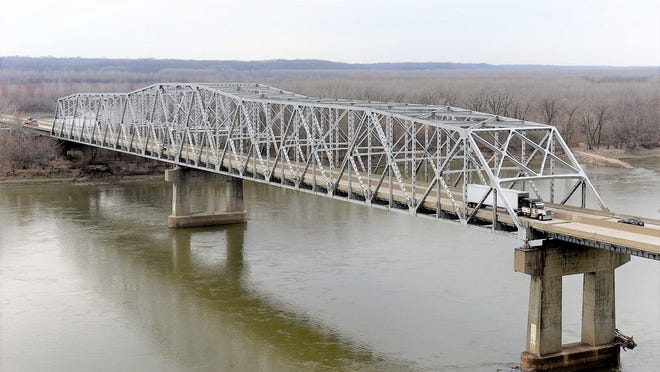 Traffic flows across the 60-year-old Mississippi River Bridge on Interstate 70 near Rocheport on Nov. 30, 2020. The bridge is being replaced at a cost of more than $200 million, just one of Missouri's many infrastructure needs. Don Shrubshell