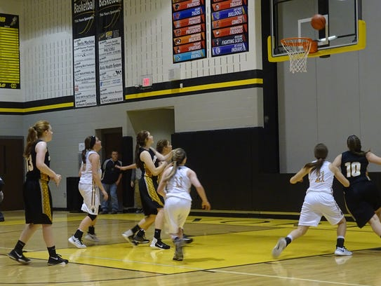 Claire Ehmann's free throw misses and the Eagles try