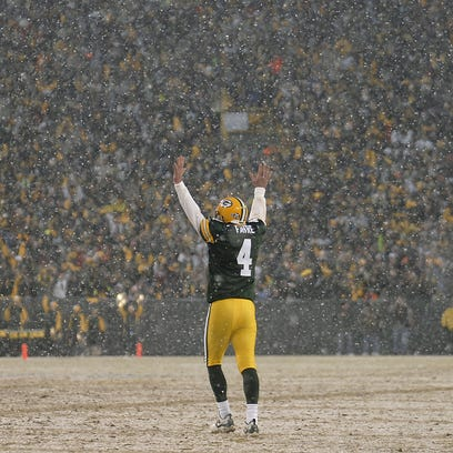 Green Bay Packers quarterback Brett Favre celebrates