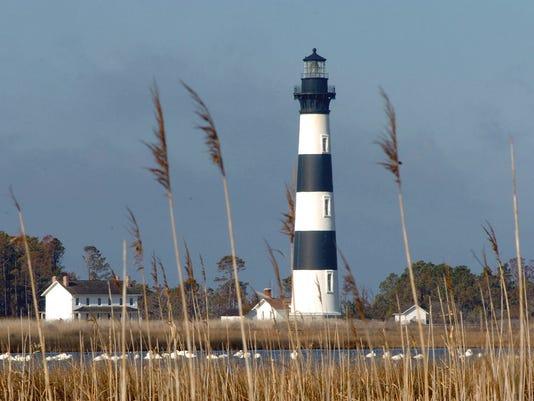 beach-town-lighthouse