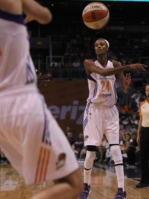Mercury Forward DeWanna Bonner passes to Marta Xargay in the second half of the game against the New York Liberty on Saturday, July 18, 2015. The Mercury lost 73-75 in the fianl 1.7 seconds of the game.