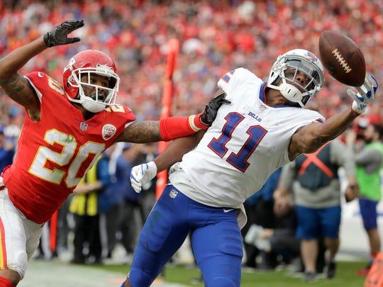 Buffalo Bills wide receiver Zay Jones (11) cannot catch