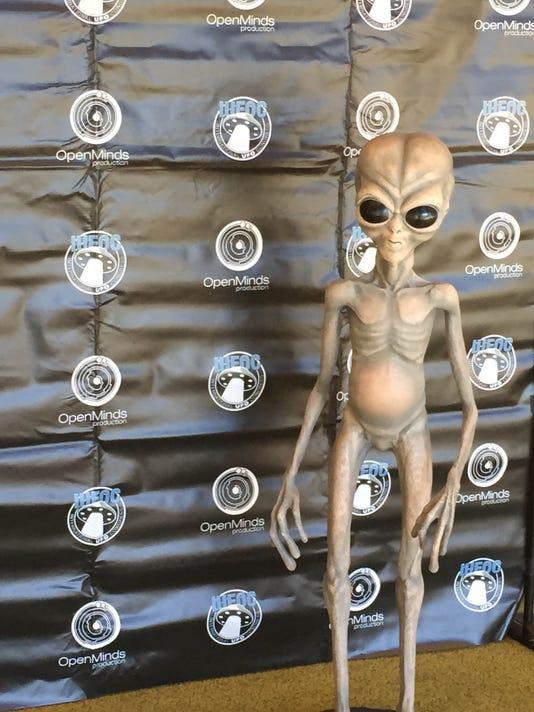 635598828022614734-UFO-Congress-i