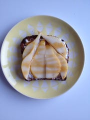 Something sophisticated: toast with goat cheese, thinly sliced pears and honey.