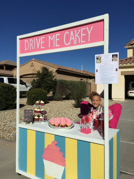 Drive Me Cakey stand