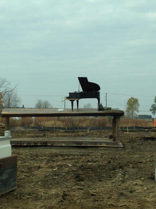 cnt mystery piano-2