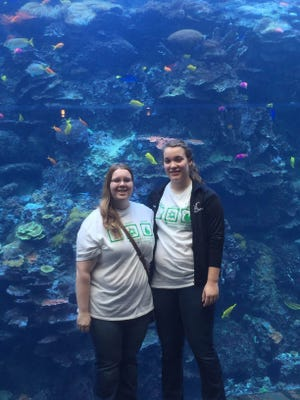 Michaela Daane, left, of the Liepsic 4-H club and Nicole Wenzel of the Lomira Clover Leaves 4-H club visited the Georgia Aquarium during their time in Atlanta, Georgia, when they attended the National 4-H Congress from Nov. 27 to Dec. 1.