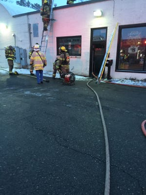 A fire that started in a Mason Little Caesars Pizza this morning damaged the pizzeria and two adjoining businesses, fire officials said.