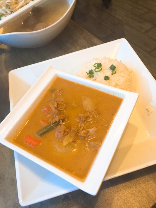 635954553887935763-5.-Chicken-Curry.jpg
