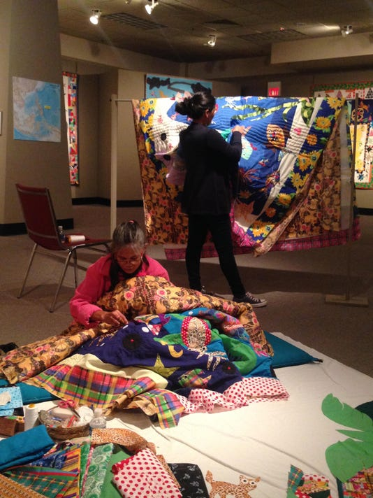 Quilts of Caohagan Demonstration at National Quilt Museum