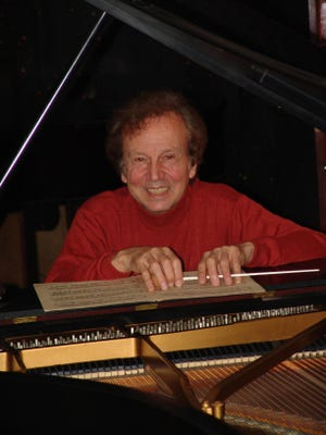 "Pianist John Covelli returns to the Binghamton Philharmonic on Saturday to perform ""Rhapsody in Blue."""