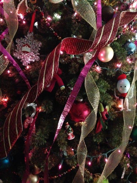 christmasdecorating.jpg