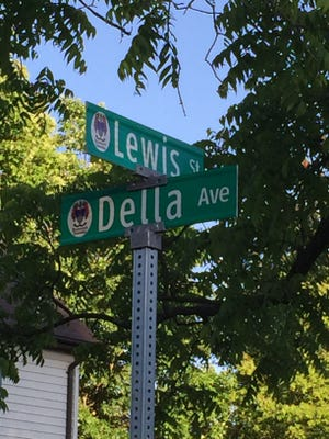 Intersection of Lewis and Della streets in Pequannock.