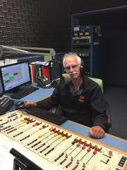 WMRN's radio personality Jeff Ruth is retiring from his morning show after Friday's broadcast.