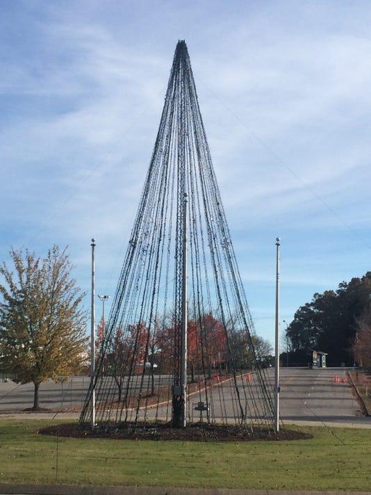 636463397506278595-Christmas-tree.jpg