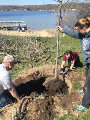 Come plant trees at the Kettle Moraine National Park on Saturday, April 21, from 9 a.m. to noon. To register, call (262) 626-2116 by April 19.