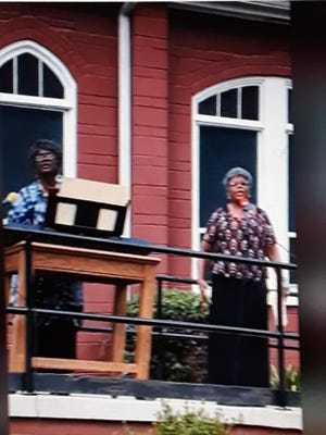 The Hymn of Praise and other inspirational songs were delivered by praise leaders Angela Terrell and Patricia Burnett.