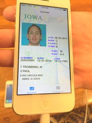 A look at what the new Iowa smartphone driver's license would look like.