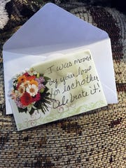 Steve and Renee Simoff received many notes in response to news coverage of Steve's 35-mile walk to work, including this card that came with an anonymous bouquet of flowers.