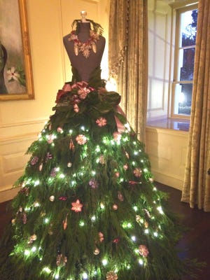 Decorations made by De Pere native Paige Pera adorn the Vermeil Room at the White House in December 2014.
