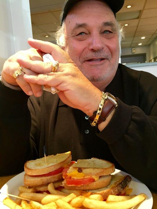 635531187509672905-avi-with-sandwich