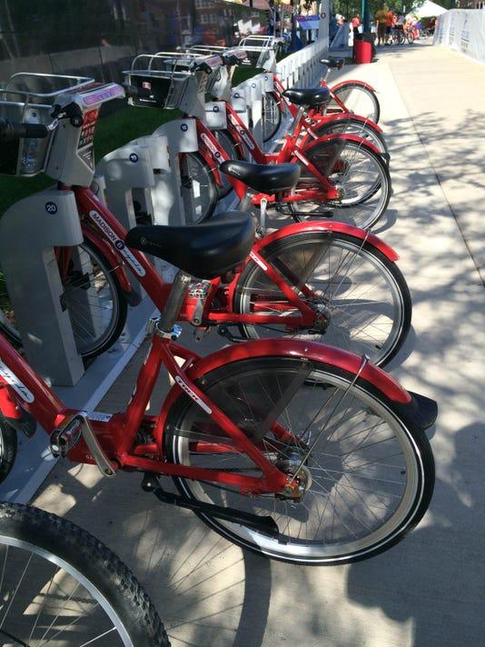 SPJ 0910 Bike share.JPG