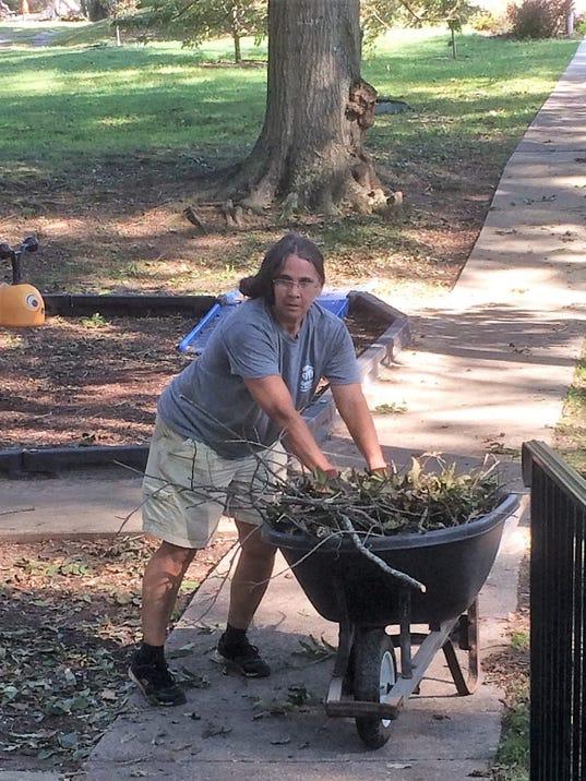 636413518865732956-Park-cleanup-VP-Kathy.jpg