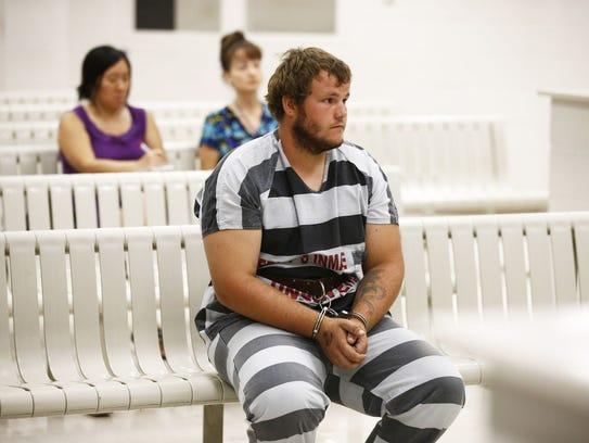 Leslie Merritt enfrenta 16 cargos, entre ellos asalto