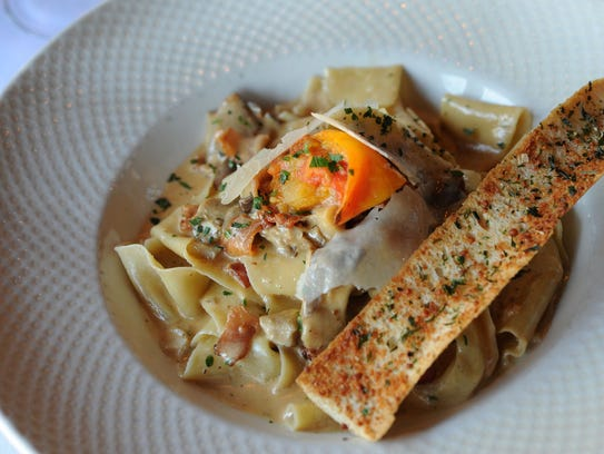 Critic Nancy Miller gave four stars to Volare, 2300