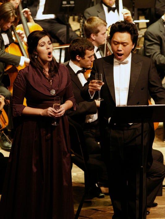 Amanda Woodbury and Yi Li