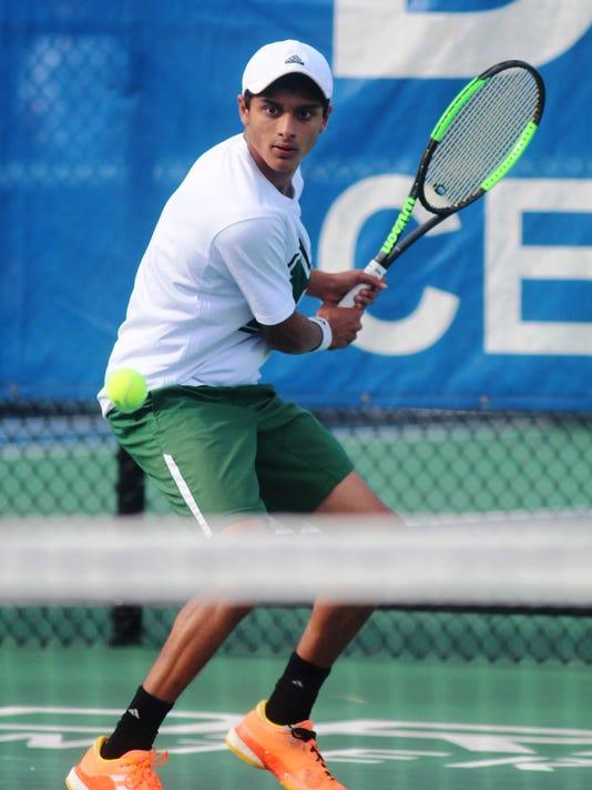 636342914328806049-CovCath-tennis-017.JPG
