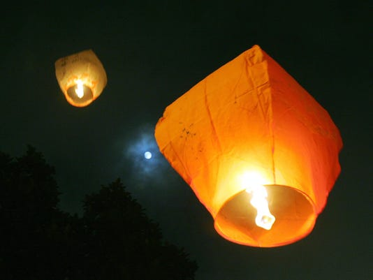 Sky Lanterns For Sale >> Sterling Heights Sued Over Sky Lantern Ban