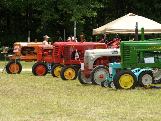 tractor.show