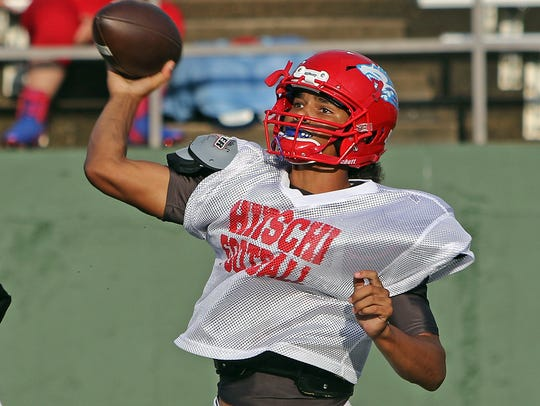 Hirschi's Mar'tez Vrana throws in a scrimmage with