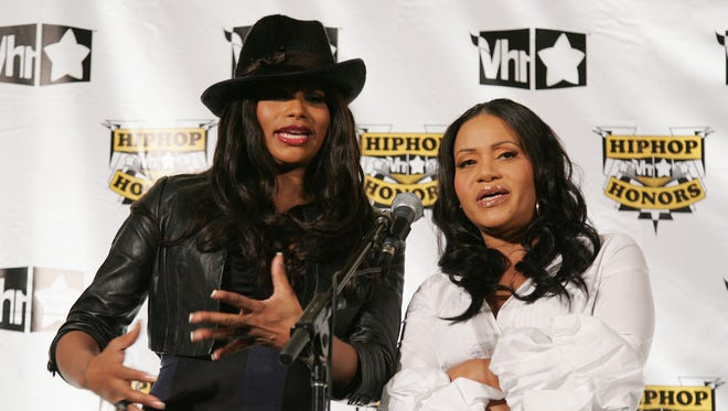 Sandy 'Pepa' Denton and Sheryl 'Salt' James of Salt-n-Pepa pose in the press room at the 4th Annual VH1 Hip Hop Honors ceremony at the Hammerstein Ballroom on October 4, 2007 in New York City.